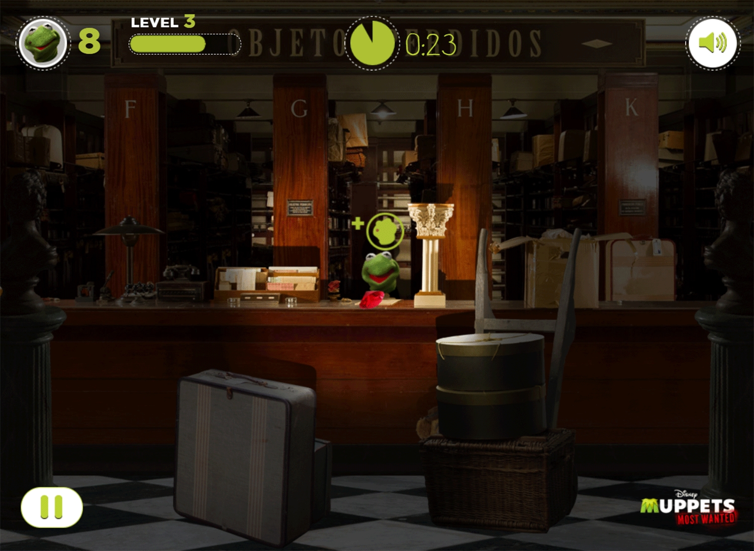 Muppets Most Wanted Catch Constantine Game Screenshot.